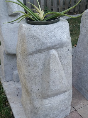 Moai head pot